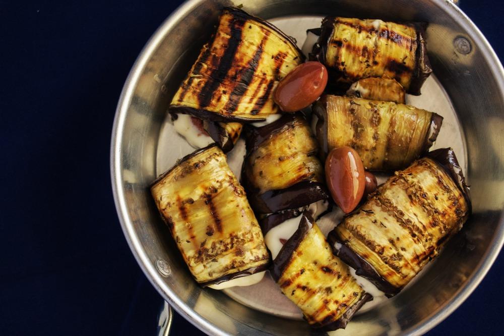 grilled-vegetable-rolls-1990047_1920.jpg